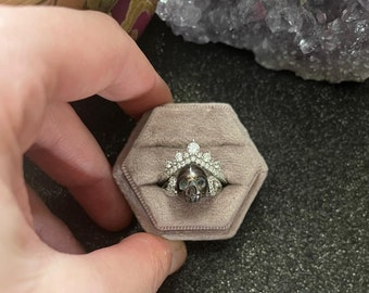 Queen of it All Ring   Pearl Skull Ring   Engagement Ring   Healing Stones   Metaphysical Jewelry   Gothic Jewelry