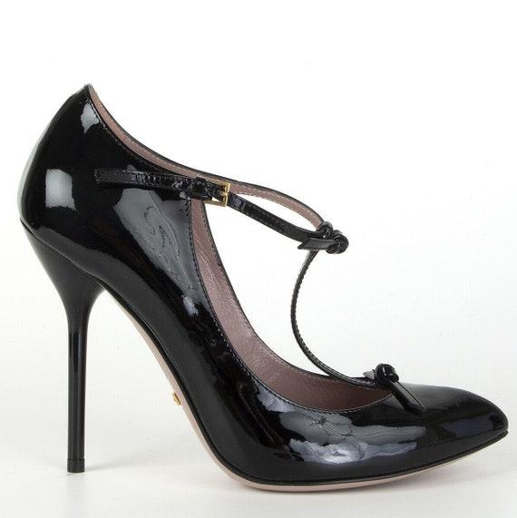 61518 auth GUCCI black patent leather T-Strap Pump