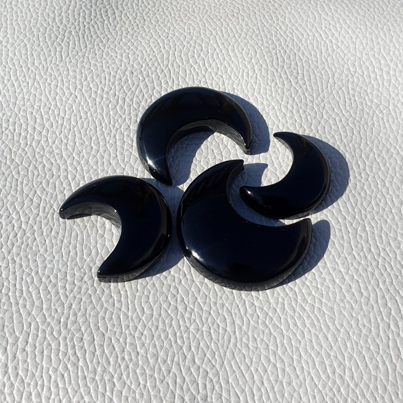 ATTRACTIVE Whole Sale 4-Pcs Lot Black onyx Crescent Moon Cabochon Flat Back Loose Moon Stone Polished Hand Carved Onyx moon Pendant 125-Crt
