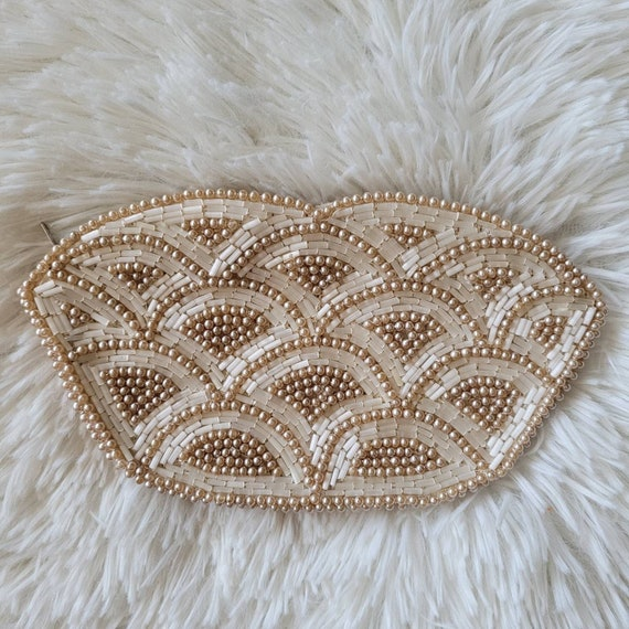 vintage 50s-60s scalloped beaded clutch