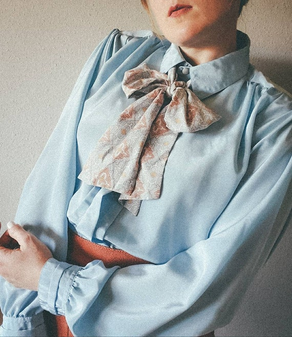 vintage 70s does 40s light blue blouse with pussy