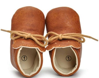 Newborn first walker/ unisex baby shoes/toddler girl shoes/ baby boys shoes/baby moccasins/baby brown leather shoes/baby shower gift