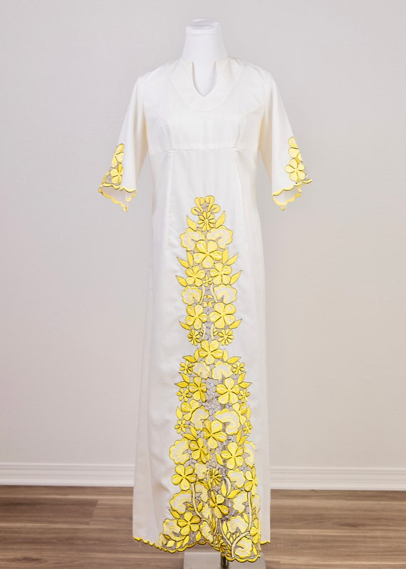 Vintage 1970's Embroidered Maxi Caftan
