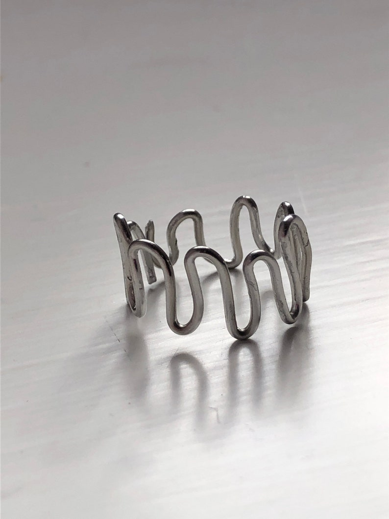 Wiggle Silver Ring