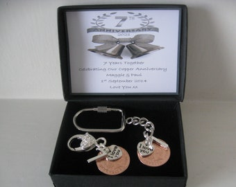 NEW PAIR OF 17th WEDDING ANNIVERSARY GIFT 2004 1p COIN KEYRINGS IN GIFT BAG