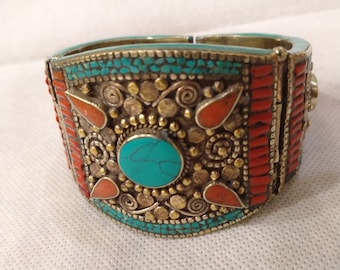 Vintage Cuff Bracelet With Turquoise and Coral Stones, Antique Tribal Nepalese Cuff Bracelet, Ethnic Cuff, Stone Jewelry