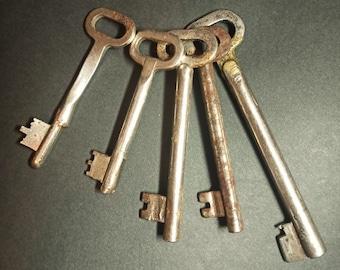retro keys antique keys a key from the lock A dozen keys a Soviet key a metal key,
