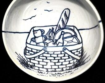 Bowl wire fun basket to picnic