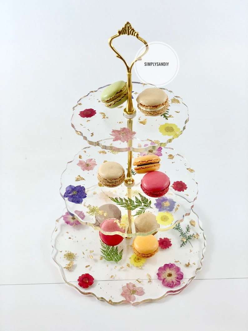 Breathtaking floral 3 tier stand