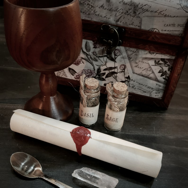 LOVE SPELL KIT lust and desire; potion used in witchcraft for centuries as an aphrodisiac a recipe and ritual for divine love