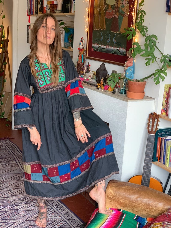 Vintage Afghan Folk Dress / Nomad/ Tribale/ S/M