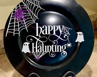 Happy Haunting Charger