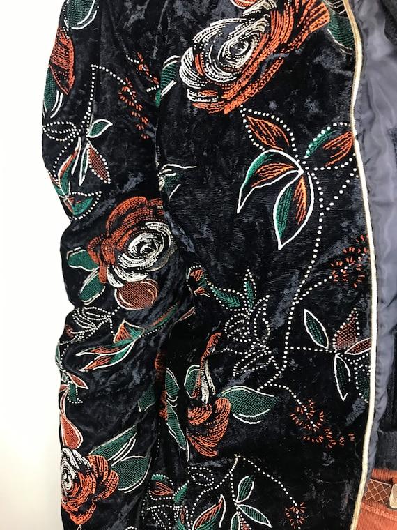 Vintage black velvet blazer with red & green flow… - image 4