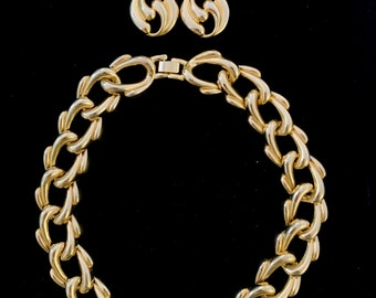 Vintage 80s Gold Toned Chain Big Link Necklace and Earrings