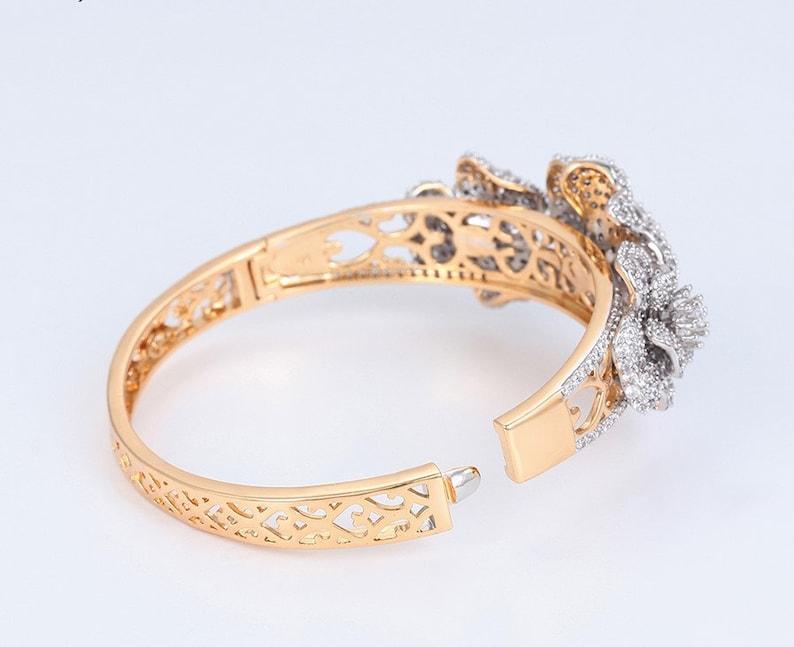 Modern Wedding Gift Elegant Bangle Gift for Her On-trend bracelet Royal Bangle Flower Detailed Bangle Designer Bangle Zircon Bangle
