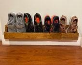 Reclaimed pallet shoe rack/wall show rack