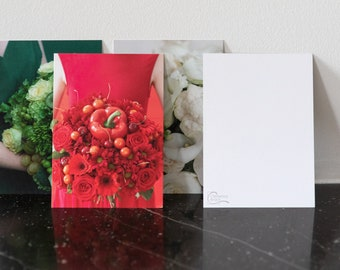 Postcard - Mother's Day special greeting card, birthday and thanks - Photo of an original monochrome flower bouquet
