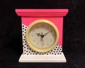 Nee wave style mantle clock
