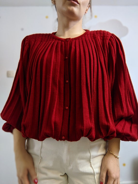 Vintage unique pleated buttoned burgundy jumper