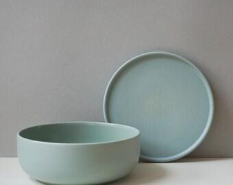 Ceramic bowl matt green 600ml with lid | Ceramic plate | modern stoneware | handmade crockery in Germany