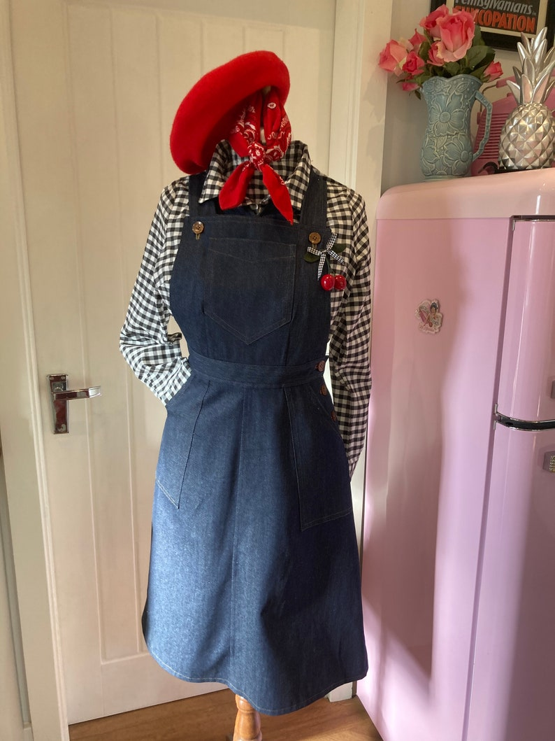 1950s Plus Size Dresses, Swing Dresses Vintage Style 1940s/50sDenim OverallsDungareeBib and brace skirt $74.94 AT vintagedancer.com