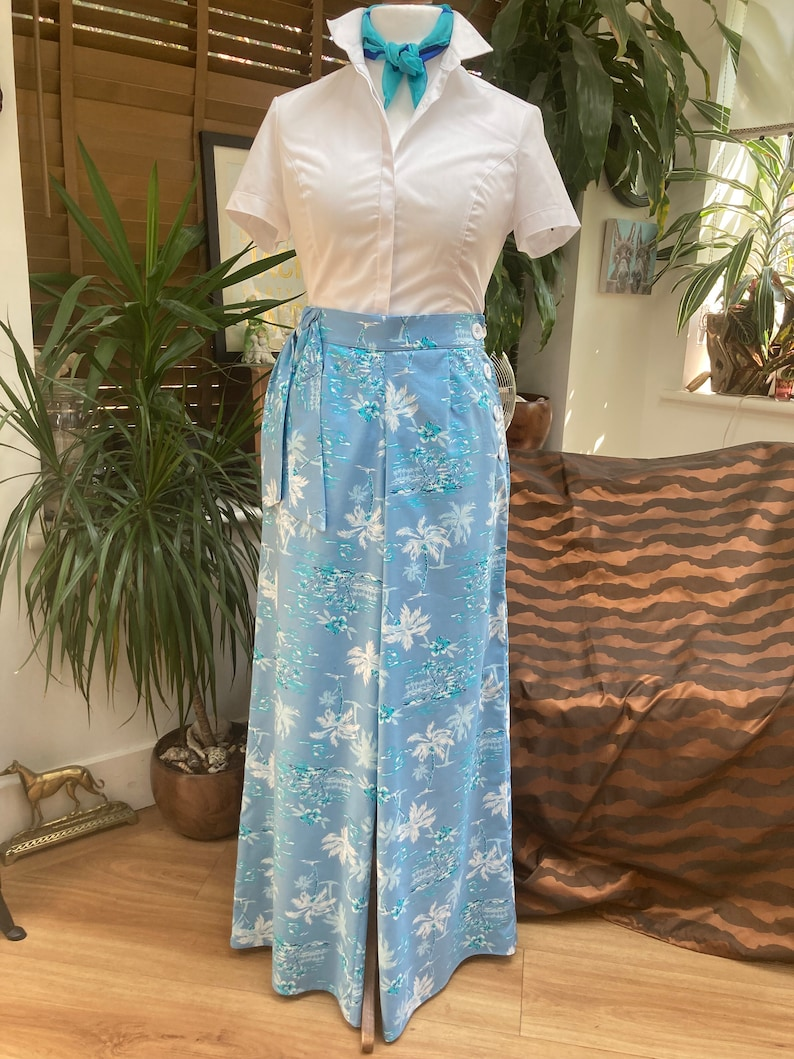 1930s Wide Leg Pants and Beach Pajamas     Vintage Style wide leg beach Pants / trousers 30s/40s $63.93 AT vintagedancer.com