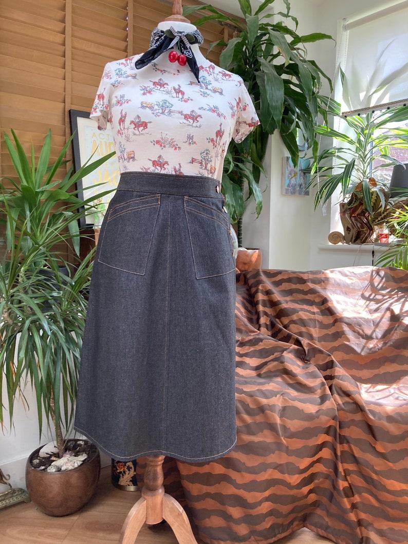 Vintage Western Wear Clothing, Outfit Ideas     Vintage style Denim skirt Western style cowgirl Jeans skirt $71.21 AT vintagedancer.com
