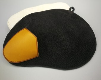 oyster glove, leather protection for opening oysters.
