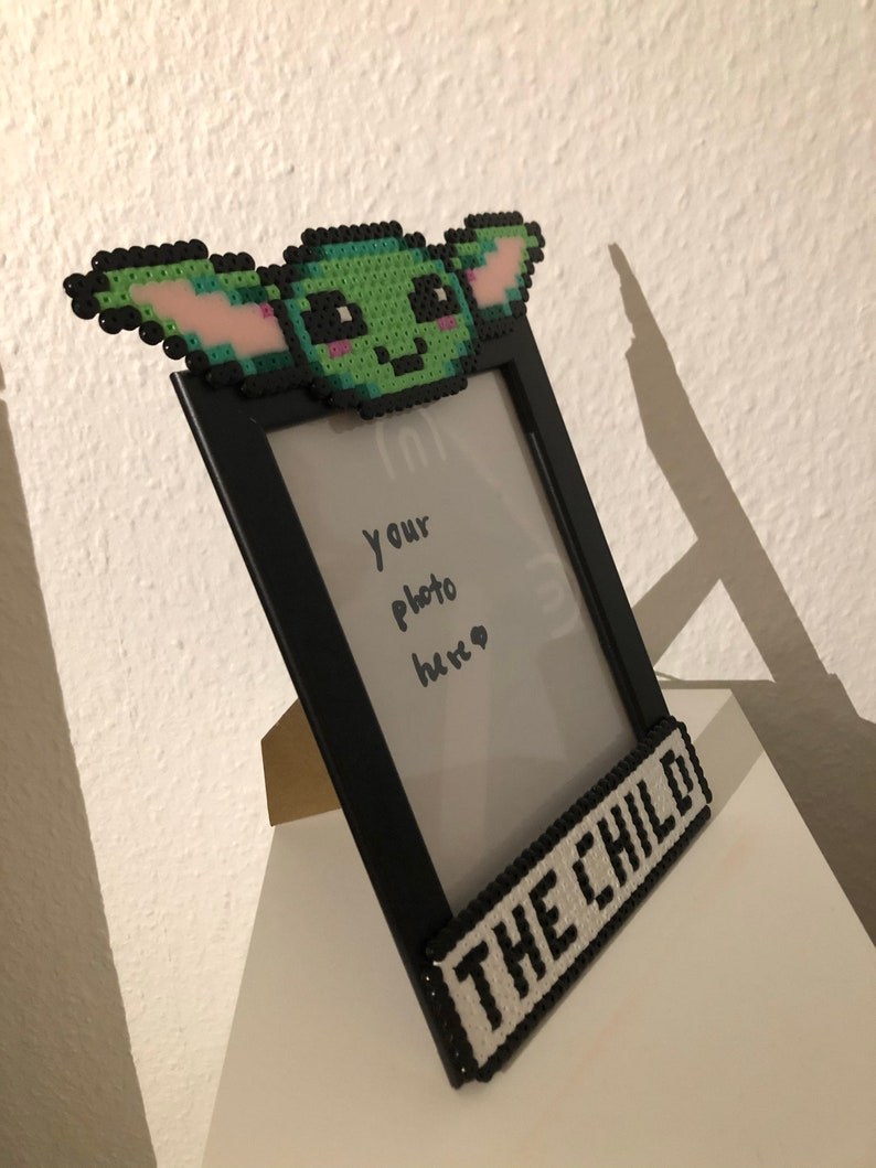 frame with baby Yoda  Grogu by The Mandalorian from ironing beads Personalizable Star Wars The Child picture frame for children/'s photos