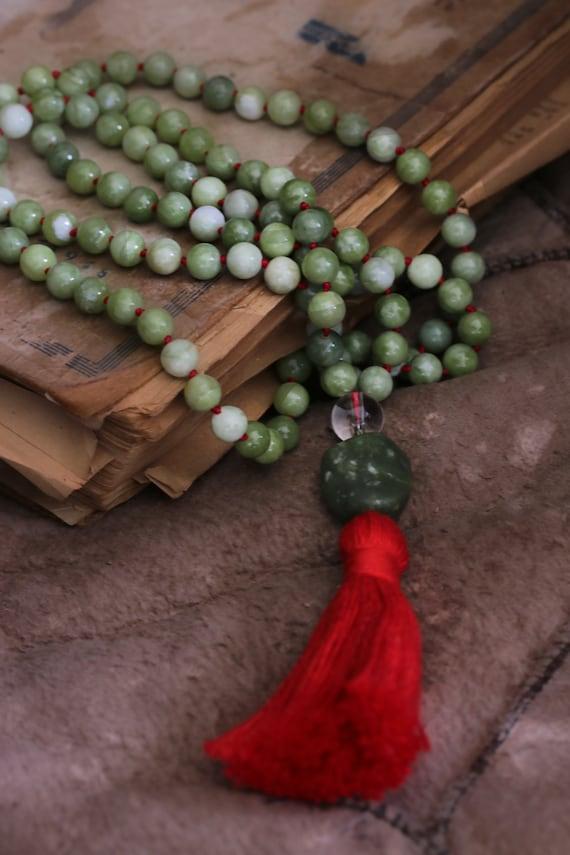 108 Mala Beads, Green jade mala, Chakra jewelry, chakra mala necklace, heart chakra, chakra cleansing, knotted mala beads