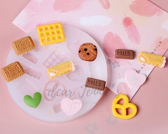 MNM 3102 Melt /& Pour Soap 4 Cavities for Chocolate Hugs and Hearts Pretzel Topper Clear Plastic Mold