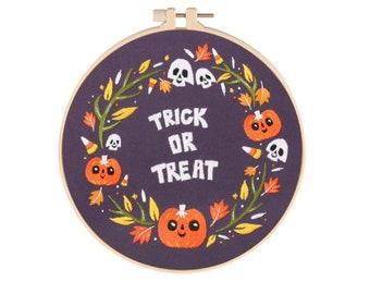 Halloween Pumpkin Witch Bats Cat Embroidery Starter Kit - DIY Handmade Craft Set for Beginners