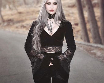 A cute Women Lace Cropped Top, Black Gothic Retro Bodycon Top with Long Sleeves V-Neck. 2021