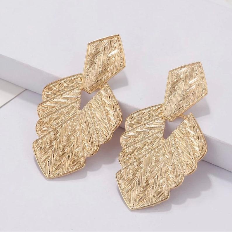 Gold Beautiful leaf drop earrings