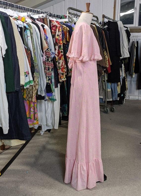 Vintage 1970s Pink ditsy floral 1970s Prairie Boh… - image 4