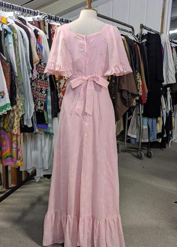 Vintage 1970s Pink ditsy floral 1970s Prairie Boh… - image 5