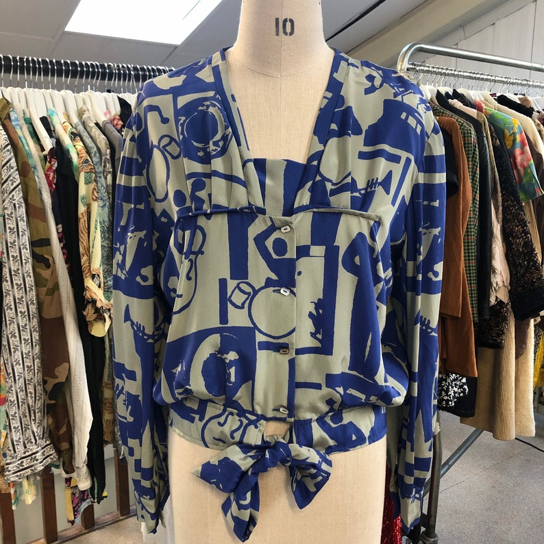 Vintage 1980s Hand Made Musician Print Silky Blue and Grey blouse Size S