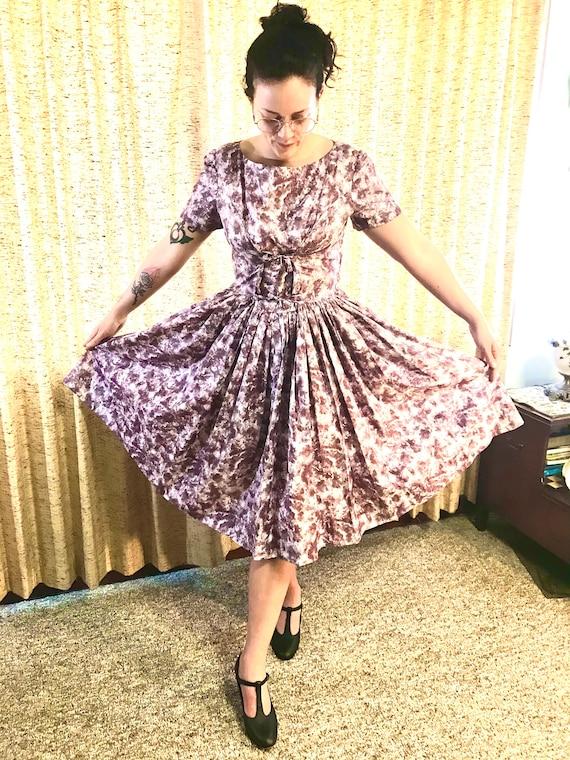 Gorgeous vintage 50s dress