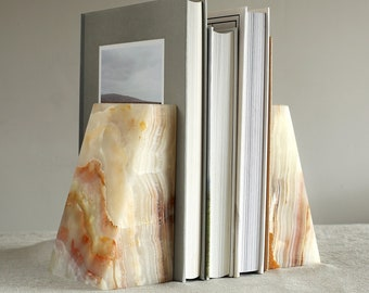 Onyx Marble Wedge Bookends | Book Holder | Book Shelf Organiser | Book End | Luxury Natural Stone Mantelpiece Ornament | Home Office Tidy