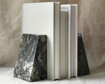 Black Marble Wedge Bookends | Book Holder | Book Shelf Organiser | Book End | Luxury Natural Stone Mantelpiece Ornament | Home Office Tidy