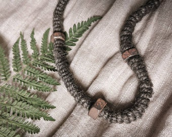 Necklace nettle and rust