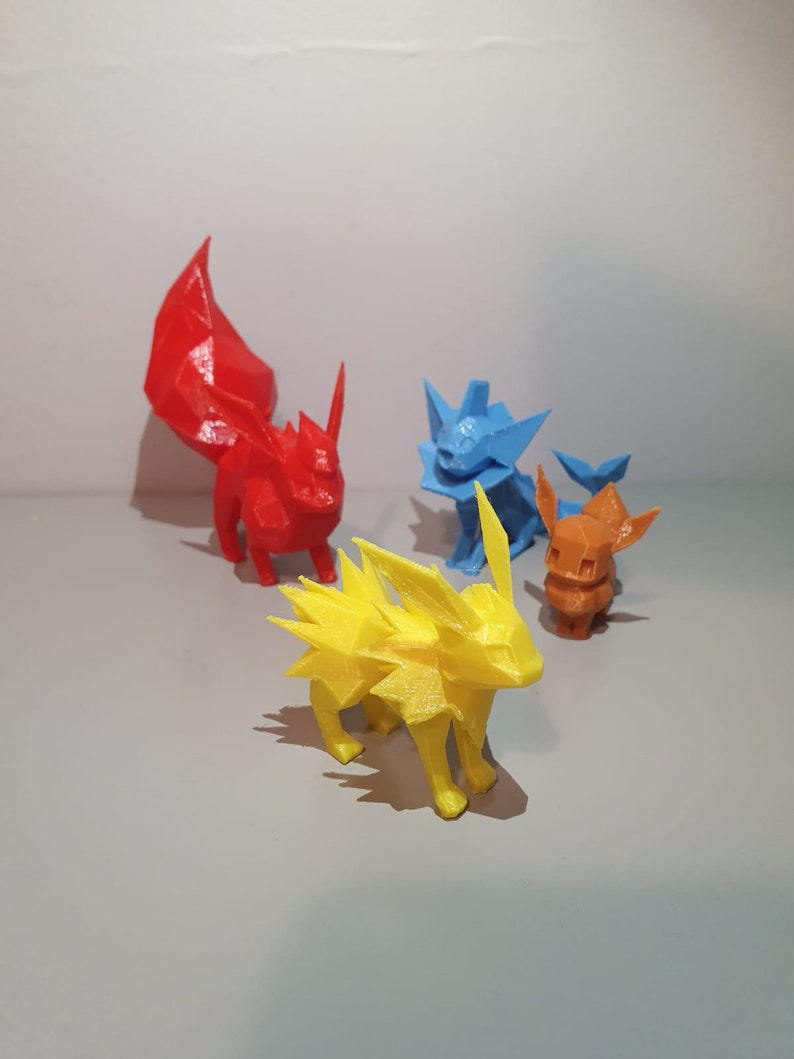 Eevee Figurine 3D Printed Eeveelutions Eevee Jolteon Flareon Vaporeon swole Low poly