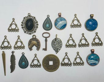 Lot Of Medium Size Bronze Tone Charms/Pendants