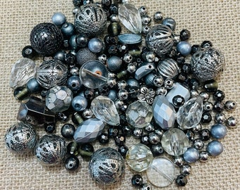 Lot Of Vintage Beads (Mix)