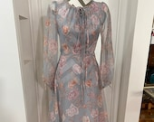 80's Flowing day dress in soft grey floral print so feminine