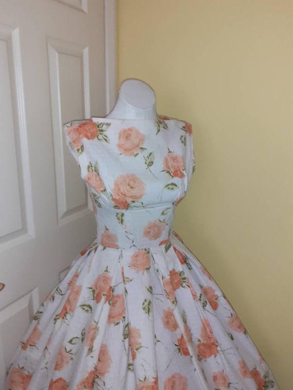 Stunning 1950s rose print dress