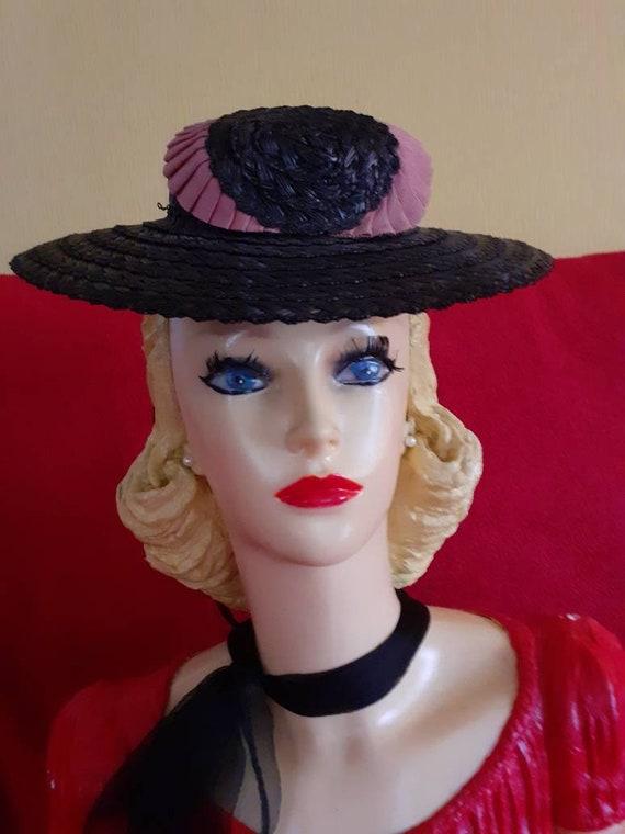 Lovely 40s tilt hat