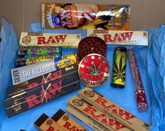 SMOKERS/STONERS BUNDLES! Rolling Gift Sets With Herb Grinders Lighters Raw Papers