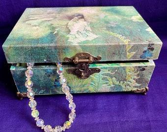 Paper découpage wooden Tea box: The Fairies Collection.