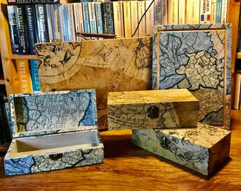 Vintage look découpage wooden box: Old Maps Collection.